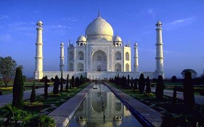 بالصور.. نتنياهو وزوجته من «تاج محل»: شهدنا محبة كبيرة من الهند