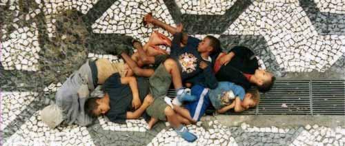 مجزرة كانديلاريا : عندما يكون بؤسك ذنبا!!