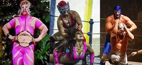 الى اليسار جوانا بملابس المصارعة ، تحظى المصارعة الحرة بشعبية كبيرة في المكسيك