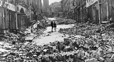 المانيا تحولت الى انقاض وخرائب بعد الحرب